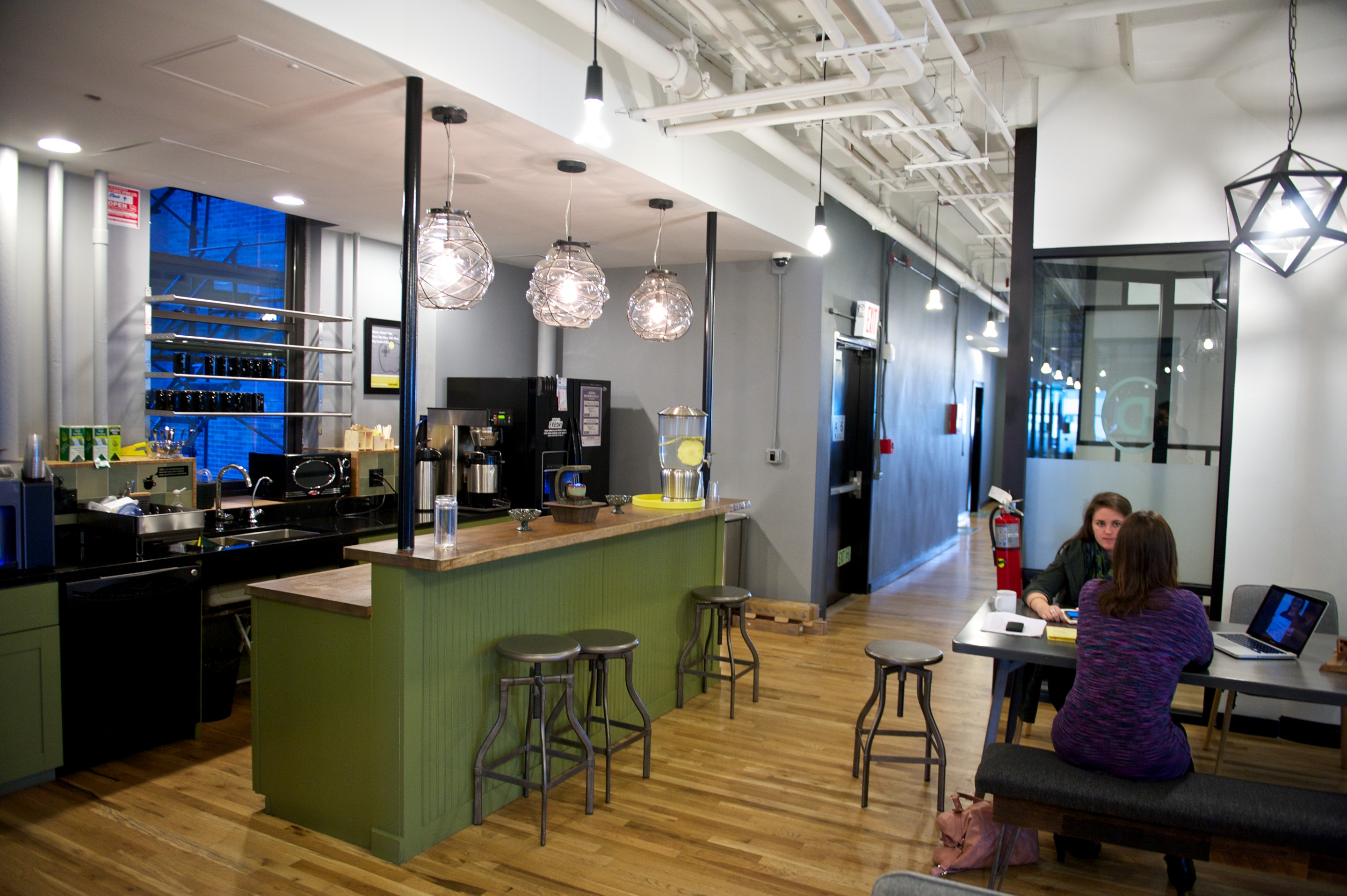 WeWork-SoHo-West-Kitchen-Dinning-Room - It's Just JustinIt ...